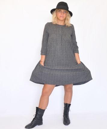Robe gris à carreaux